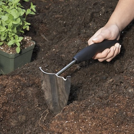 Oxo good grips hand plow soft grip gardening tool for for Gardening tools for seniors