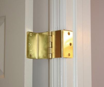 Swing Away Offset Door Hinge