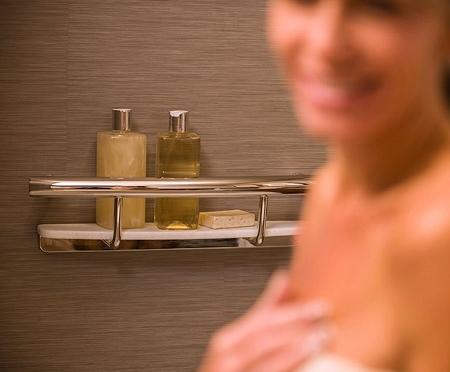 Invisia-Shampoo-Shelf-with-Integrated-Support-Rail