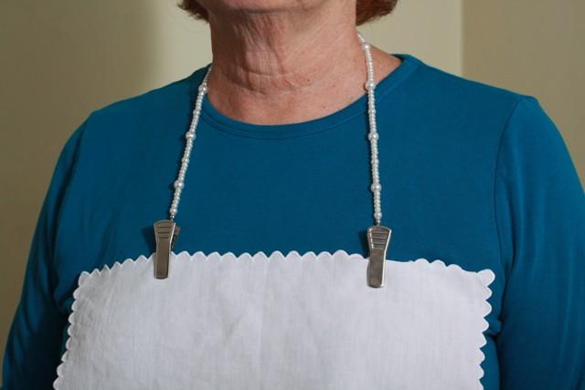Granny Jo Pearl Napkin Clip