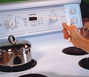 Long Stove Knob Turner